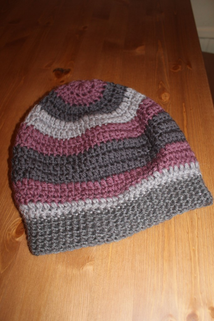 Slouchy hipster hat - crochet